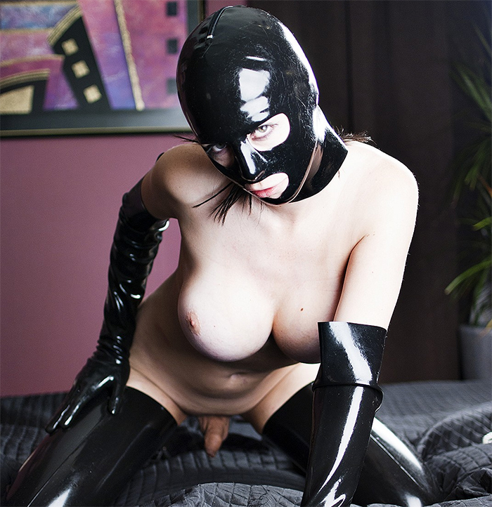 Hannah Sweden in Latex Suit