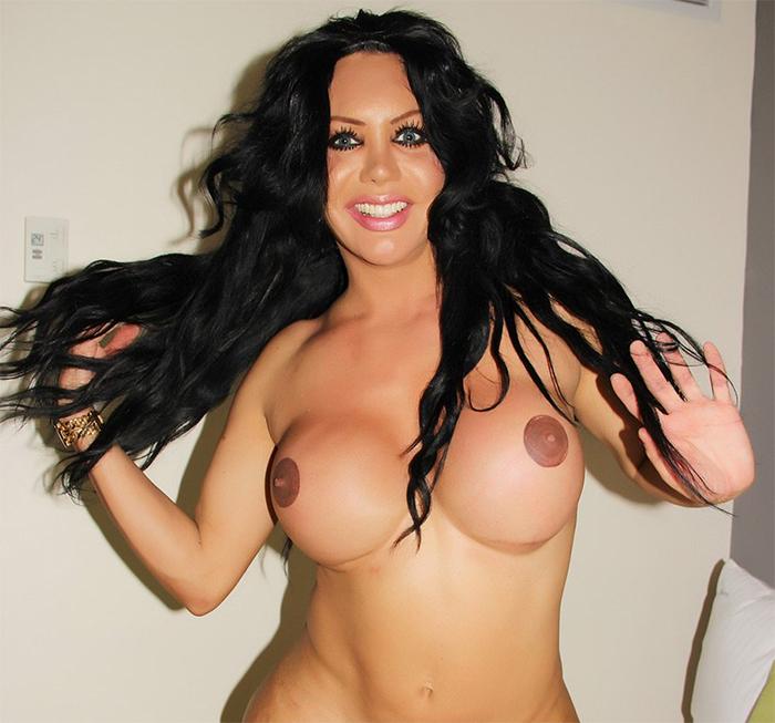 Cute Shemale fine pair of big tits